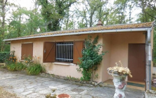 CHEVALIER IMMOBILIER : Ground | SAINT-AMAND-MONTROND (18200) | 35 m2 | 70 000 €